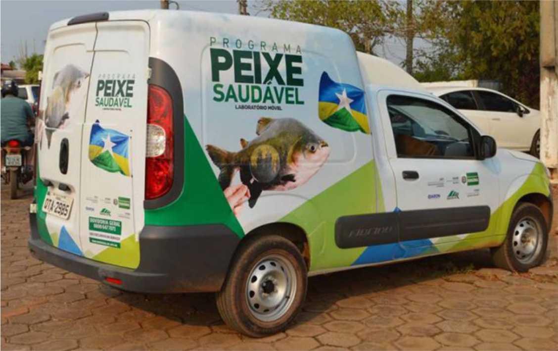 """Laboratórios móveis do programa """"Peixe Saudável"""" visitam vários municípios de Rondônia."""
